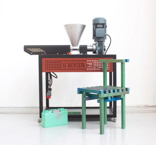 L'extrudeuse, notre première machine de recyclage.